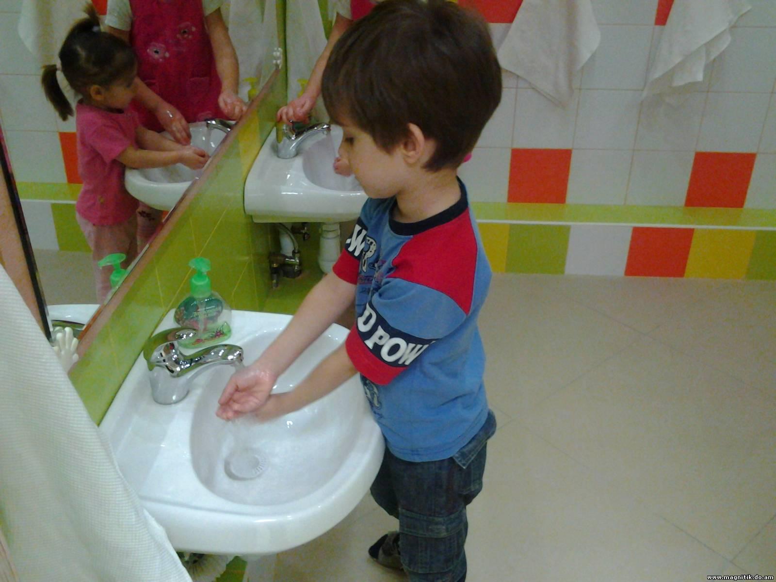 Фото детей как они умываются